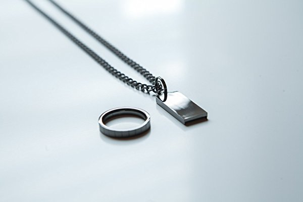 Jump Chain - Black Drive Necklace - Wearable USB Drive